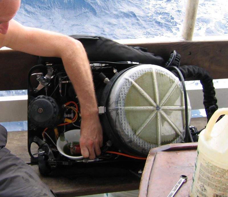 Fixing stuck open solenoid after 72m dive on the Altair