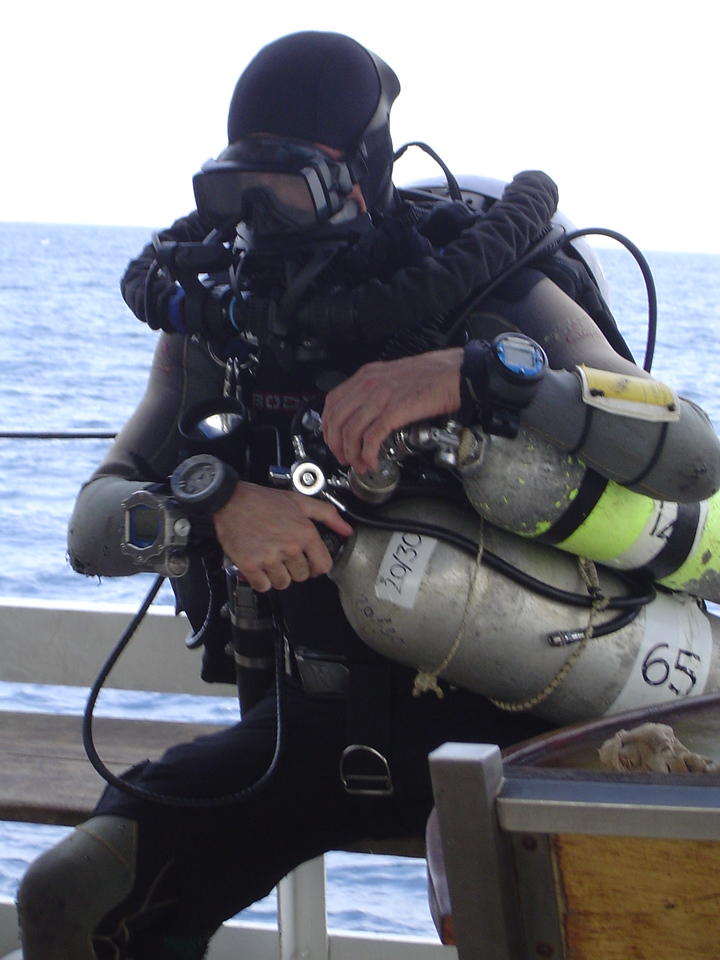 Checking bail out before dive