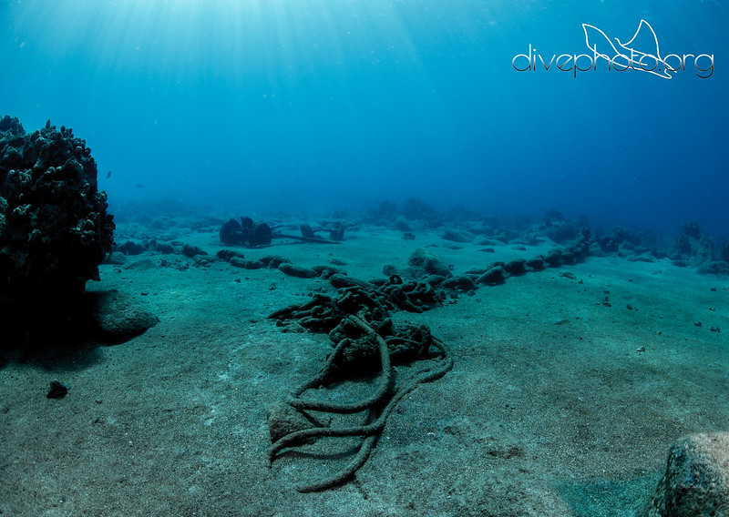 Anchor chain and debris on seafloor at Mahukona, Hawaii Island