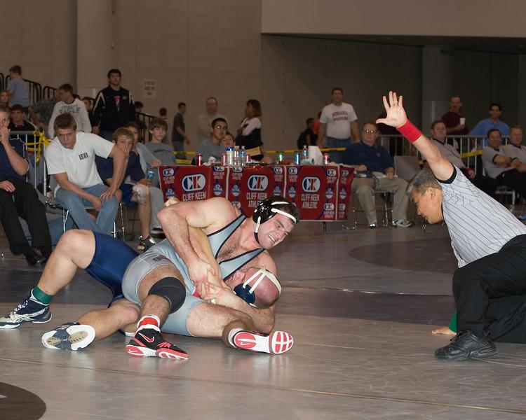 J D  Bergman (OHIO ST) def Wade Sauer 275 lbs_U0V5257