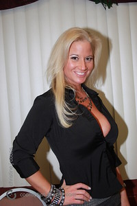 New England Pro Wrestling Hall of Fame Fanfest 2011 - Sunny