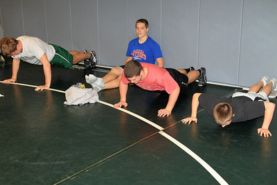 ZCHS Sit-up Push-up-a-thon 11-17-12_0026