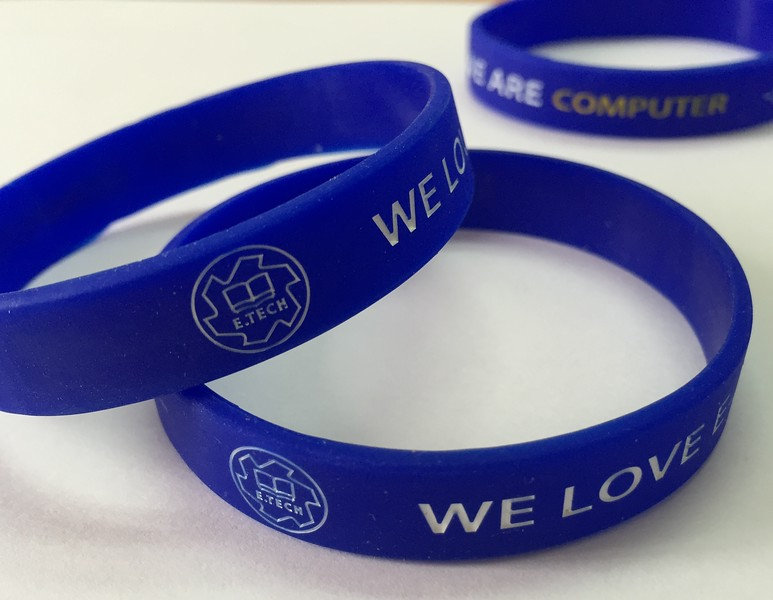 E.TECH WE LOVE COMPUTERデボス加工リストバンド