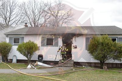 Wyandanch Fire Co. Signal 13  Cumberbach St.  4/7/17