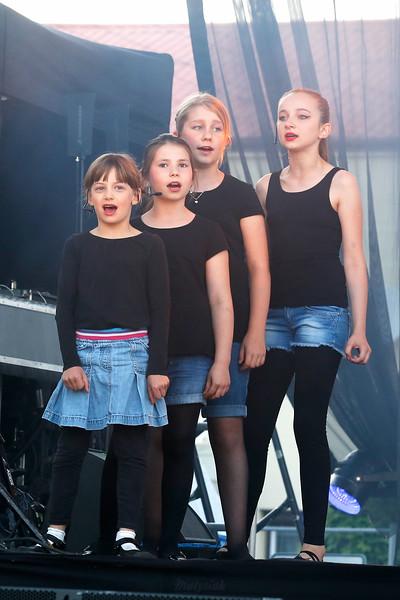 """XX Jarmark Mszczonowski Rewia """"O dziewczynach, kobietach, miłości"""" Mszczonów ©Agata Katafiasz-Matysiak"""