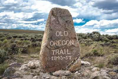 OREGON TRAIL MARKER    SOUTH PASS    WYOMING