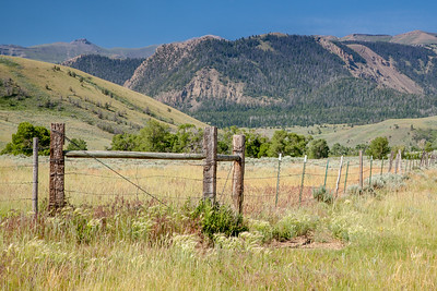 Absaroka Mountains from Pitchfork Road, west of Meeteetse
