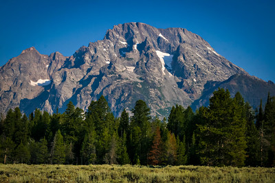 Images of the Teton peaks and range in September in Grand teton National Park in Wyoming  Photo by Kyle Spradley | www.kspradleyphoto.com.