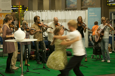 Swedish folk dancing @ Stockholm Central Station