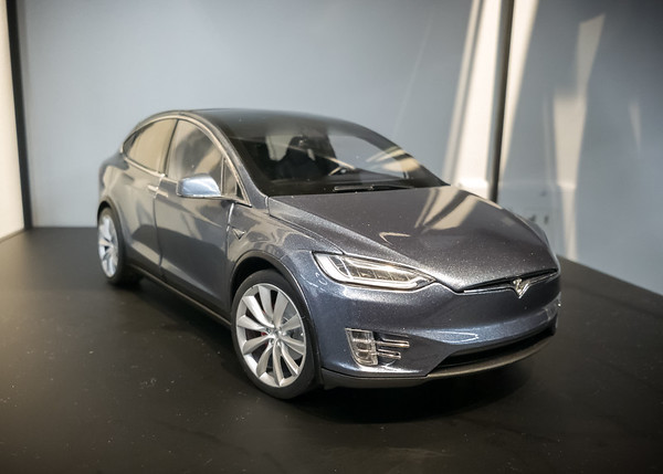 I so want this 1:18 scale die-cast Model X, but in white