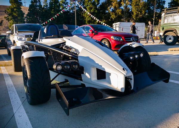 Jeremy Clarkson's review of the original Ariel Atom stands as possibly one of my favorite car reviews ever and it made me want one really badly