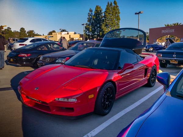 I am always happy to see a gen-1 NSX...especially if I am not in my own.  This is Steve's...he went downstairs to grab Starbucks.