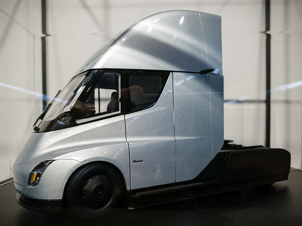 The die-cast version of the Tesla Semi would make an awesome addition to my collection...