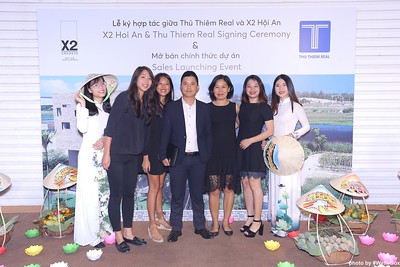 X2-Hoi-An-Sales-Launching-Event-Photo-Booth-by-WefieBox-Photobooth-Vietnam-Chup-hinh-in-anh-lay-lien-Su-kien-Tiec-cuoi-24