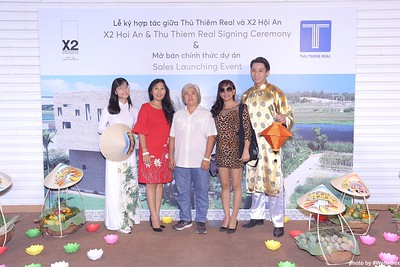 X2-Hoi-An-Sales-Launching-Event-Photo-Booth-by-WefieBox-Photobooth-Vietnam-Chup-hinh-in-anh-lay-lien-Su-kien-Tiec-cuoi-27