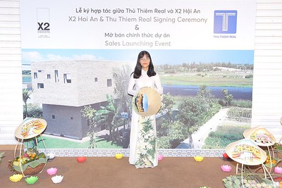 X2-Hoi-An-Sales-Launching-Event-Photo-Booth-by-WefieBox-Photobooth-Vietnam-Chup-hinh-in-anh-lay-lien-Su-kien-Tiec-cuoi-03