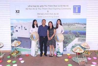 X2-Hoi-An-Sales-Launching-Event-Photo-Booth-by-WefieBox-Photobooth-Vietnam-Chup-hinh-in-anh-lay-lien-Su-kien-Tiec-cuoi-12