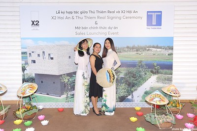 X2-Hoi-An-Sales-Launching-Event-Photo-Booth-by-WefieBox-Photobooth-Vietnam-Chup-hinh-in-anh-lay-lien-Su-kien-Tiec-cuoi-08