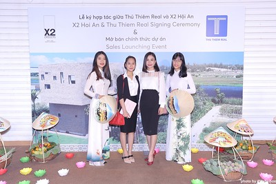 X2-Hoi-An-Sales-Launching-Event-Photo-Booth-by-WefieBox-Photobooth-Vietnam-Chup-hinh-in-anh-lay-lien-Su-kien-Tiec-cuoi-21
