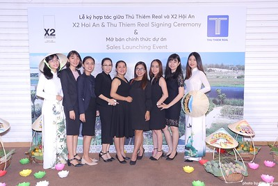 X2-Hoi-An-Sales-Launching-Event-Photo-Booth-by-WefieBox-Photobooth-Vietnam-Chup-hinh-in-anh-lay-lien-Su-kien-Tiec-cuoi-15