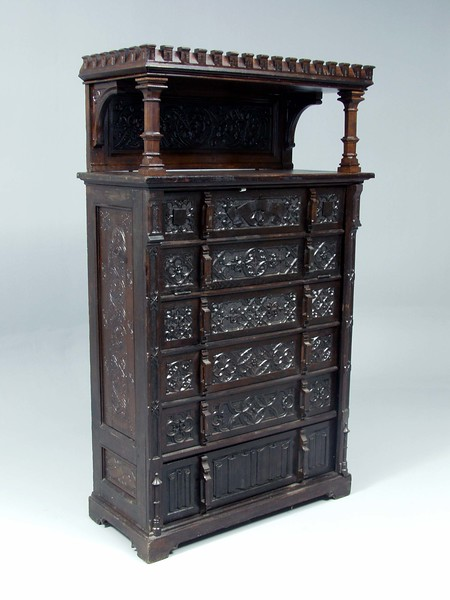 Cabinet.