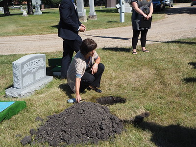 Scattering Mom's ashes at Prairie Home Cemetery, Moorhead