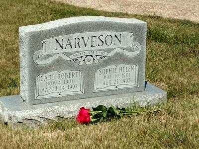 Narveson gravesite, Prairie Home Cemetery, Moorhead