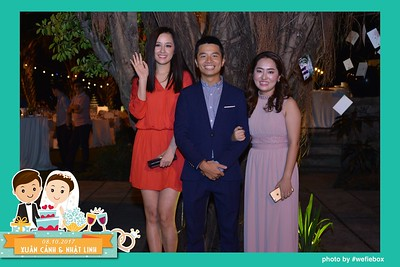 Xuan-Canh-Nhat-Linh-Wedding-by-WefieBox-Photobooth-Vietnam-23