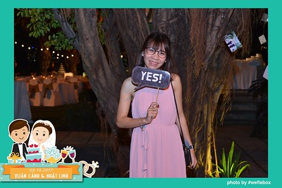 Xuan-Canh-Nhat-Linh-Wedding-by-WefieBox-Photobooth-Vietnam-12