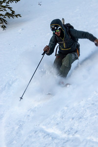 Skiing the Y-couloir