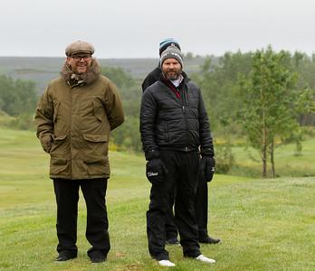 Fylgst með keppni. Ingi Rúnar Gíslason yfirþjálfari og Árni Páll Hansson, golfkennari og liðsstjóri GR-sveitarinnar.