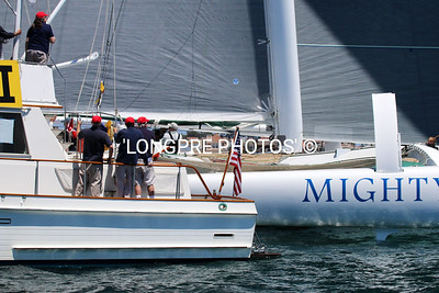 MIGHTY MERLOE starting right behind RC boat.