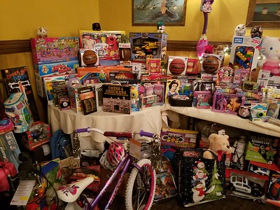 2017 - Christmas Party & Toys For Tots