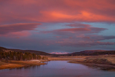 Sunset Hayden Valley Yellowstone River Yellowstone National Park WY  IMG_1571