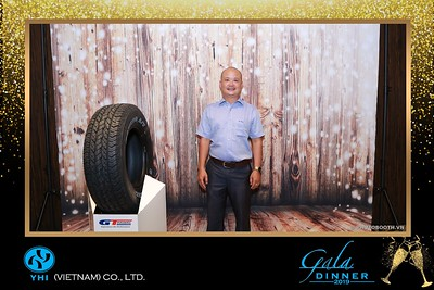 YHI-Vietnam-Gala-Dinner-2019-instant-print-photo-booth-chup-anh-in-hinh-lay-lien-Su-kien-WefieBox-photobooth-vietnam-23