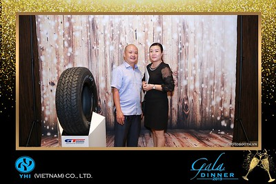 YHI-Vietnam-Gala-Dinner-2019-instant-print-photo-booth-chup-anh-in-hinh-lay-lien-Su-kien-WefieBox-photobooth-vietnam-01