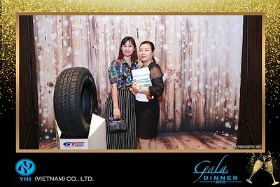 YHI-Vietnam-Gala-Dinner-2019-instant-print-photo-booth-chup-anh-in-hinh-lay-lien-Su-kien-WefieBox-photobooth-vietnam-05