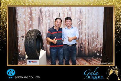 YHI-Vietnam-Gala-Dinner-2019-instant-print-photo-booth-chup-anh-in-hinh-lay-lien-Su-kien-WefieBox-photobooth-vietnam-04