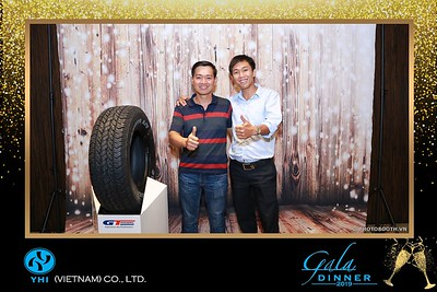 YHI-Vietnam-Gala-Dinner-2019-instant-print-photo-booth-chup-anh-in-hinh-lay-lien-Su-kien-WefieBox-photobooth-vietnam-03