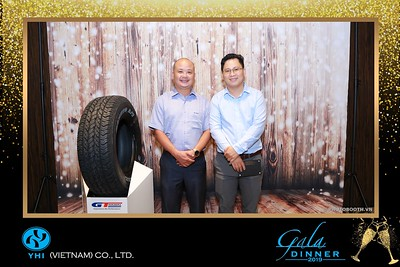 YHI-Vietnam-Gala-Dinner-2019-instant-print-photo-booth-chup-anh-in-hinh-lay-lien-Su-kien-WefieBox-photobooth-vietnam-20