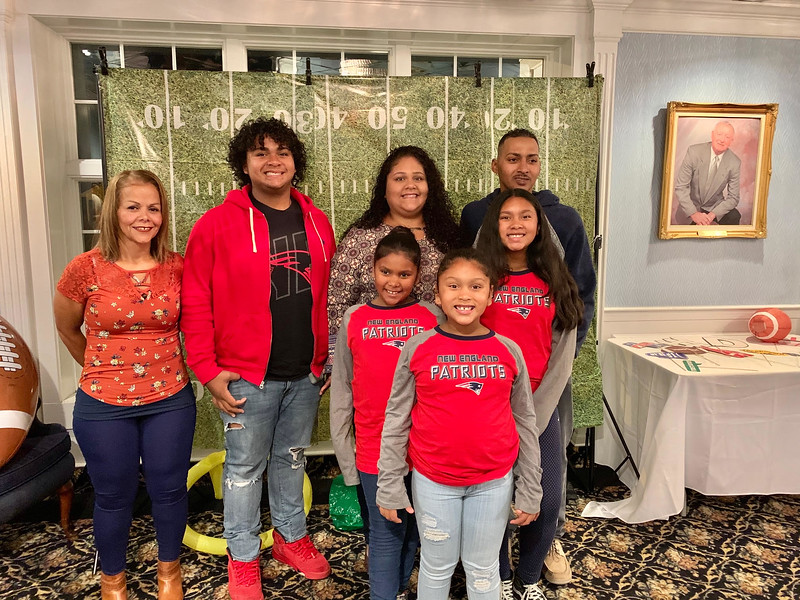 Honoree Jennifer Reyes and her family