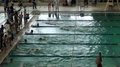 8 and under boys free relay