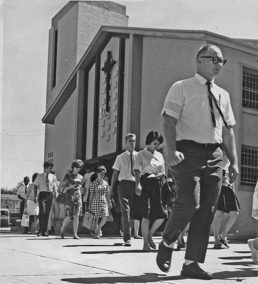 Moving out to witness in Las Vegas, Nevada Easter outreach 1965