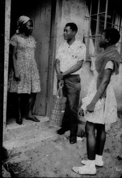 197_ Africa Door to door 18