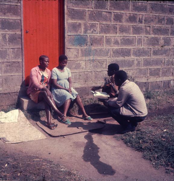 1975 Africa Door to door 16