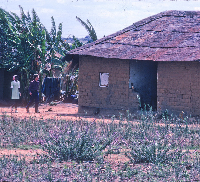 197_ Africa Door to door 17