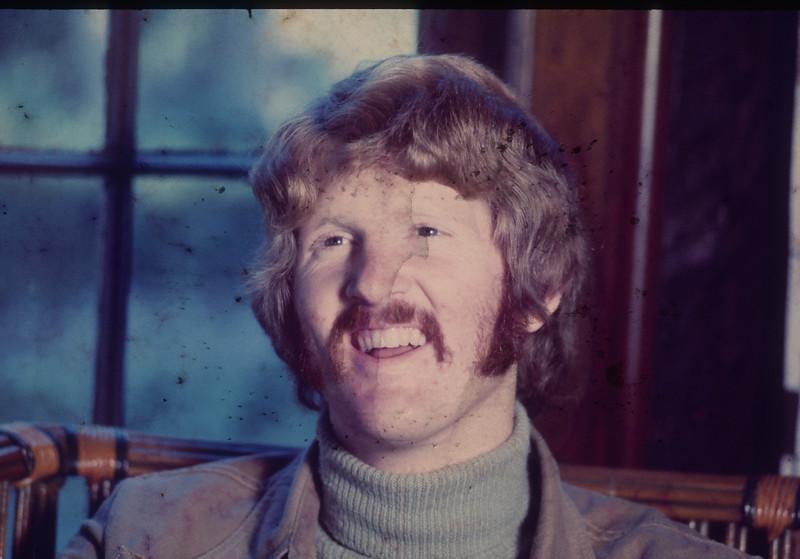 Bruce Clewett 80s Serving in Austria