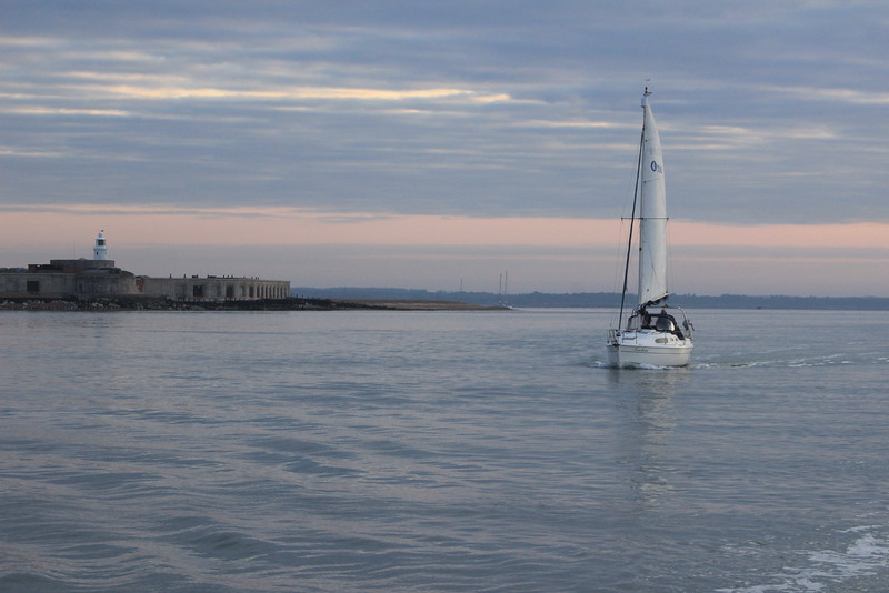 Early morning tide, Hurst Narrows - off to Cherbourg