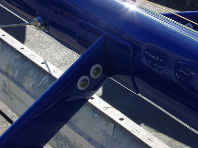 Azzurra spreaders are secured by titanium pins.