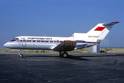 Aeroflot Russian International Airlines Yakovlev Yak-40 CCCP-87215 (msn 9510540) PRG (Christian Volpati Collection). Image: 935213.